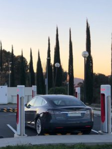 Tesla Model S en Supercharger de Sant Cugat