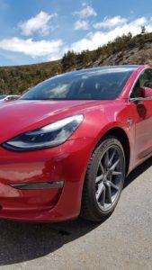 """Tesla Model 3 LR AWD con llanta Aero de 18"""" sin tapacubos"""