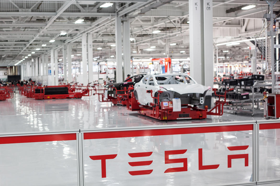 tesla-motors-factory-5595[1]