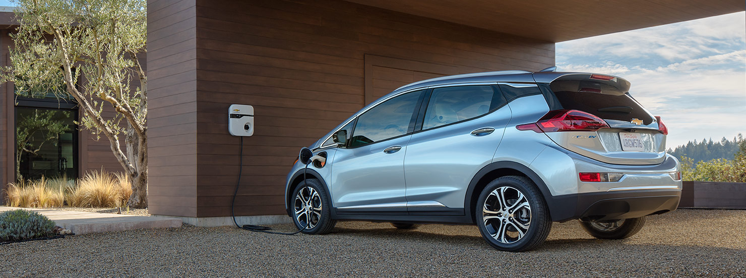 2016-chevrolet-bolt-electric-vehicle-charging-1480x551-01[1]