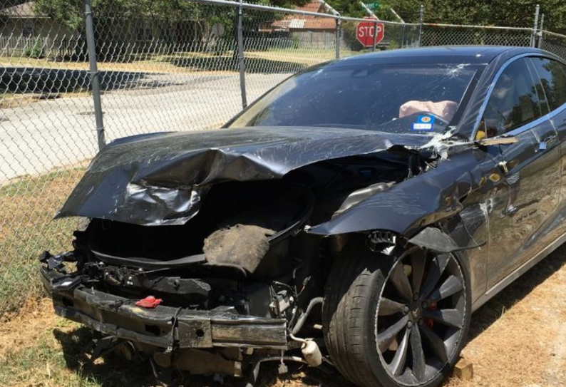 Accidente Model S en Texas